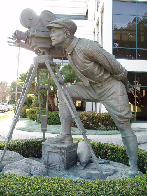 Monumental Bronze Sculpture - Bronze Cameraman Full View