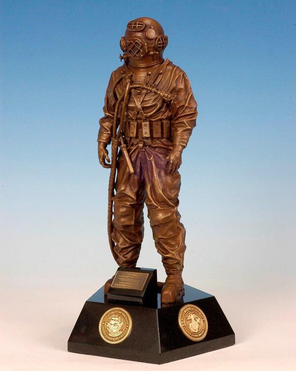 Naval-diving-salvage-maquette
