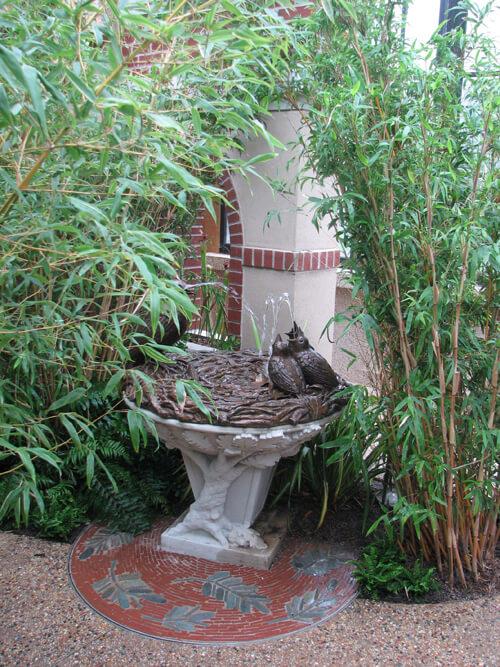 bird nest public garden statue