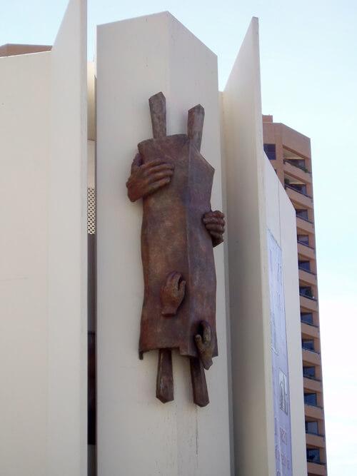 bronze-by-sculptor-Georgina-Rothenberg